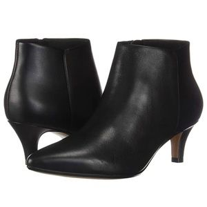 NWOB Clarks Linvale Sea Black Leather Booties